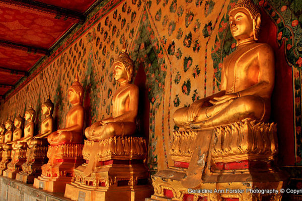 Buddha statues Wat ARUN