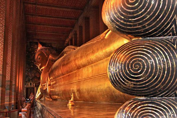 Thailand-Bangkok-Wat-Pho-Reclining-Buddha-L